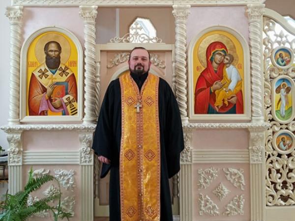 Настоятель храму Преображення Господнього УГКЦ села Положеве Богдан Іващук