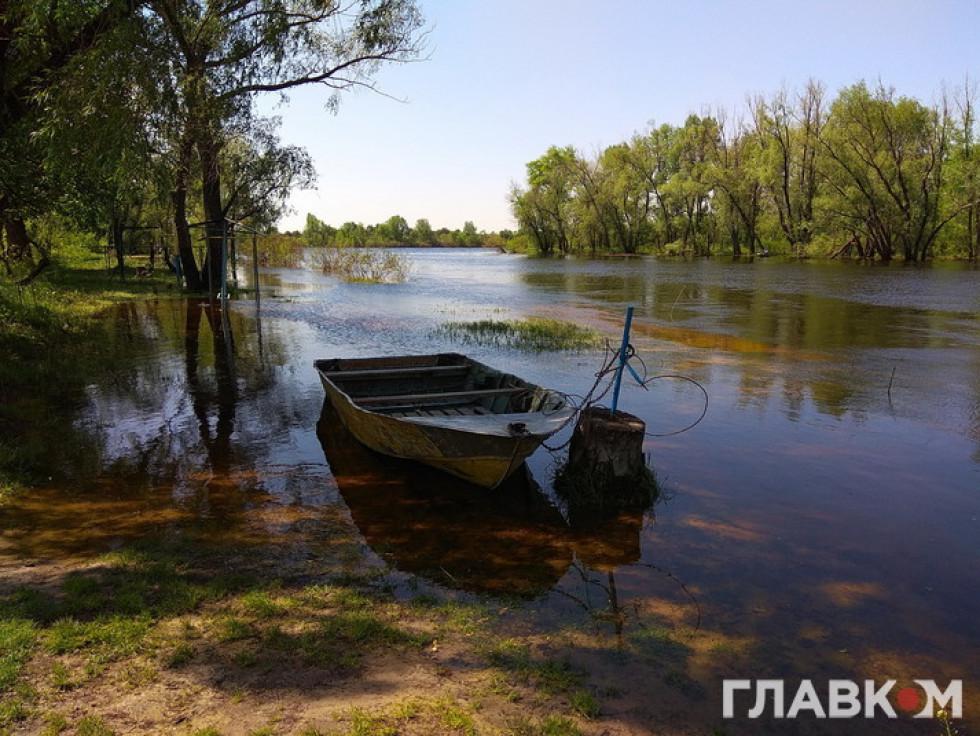 Обвідний канал біля Київської ГЕС. Весна 2018 року