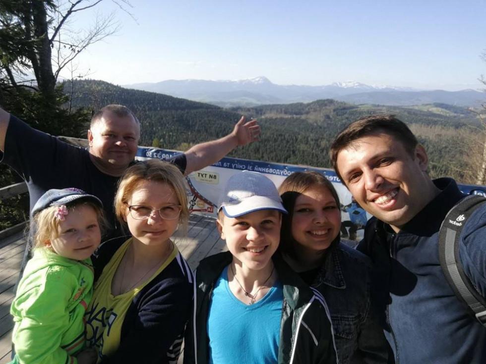 Доньки Оксана і Олена з сім'ями